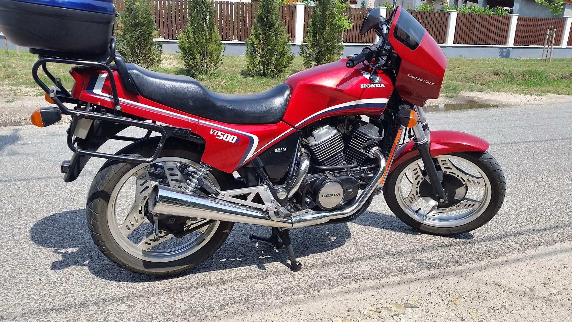 HONDA VT500E, 1. kép