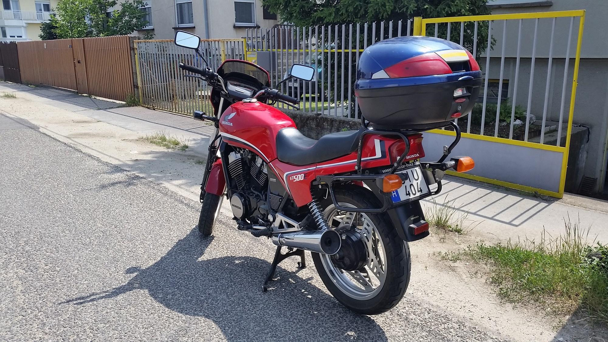 HONDA VT500E, 2. kép