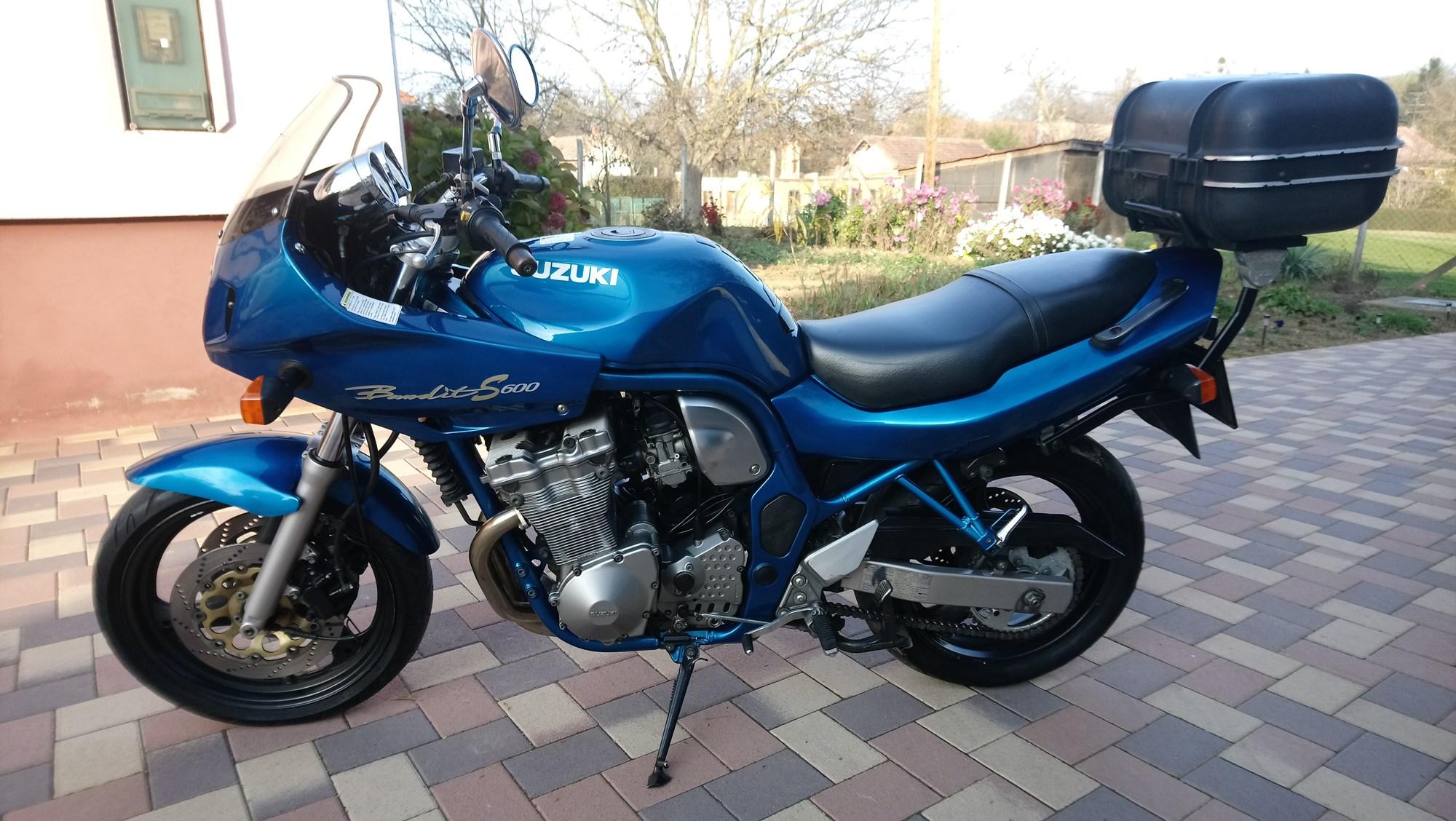 SUZUKI GSF 600 S, 2. kép