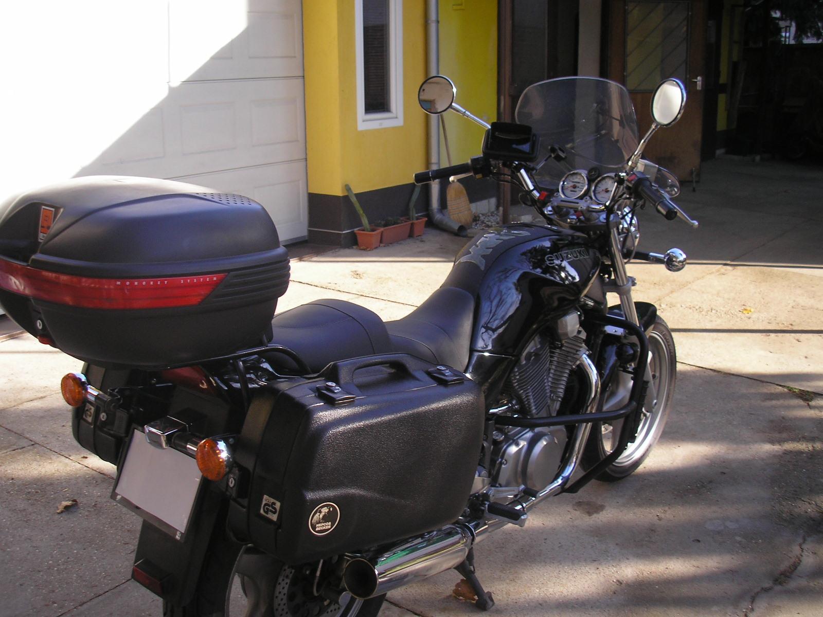 SUZUKI VX800, 3. kép